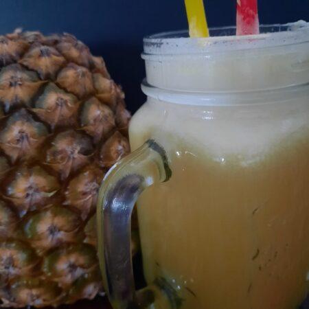 Ananas drank/fruit pulp
